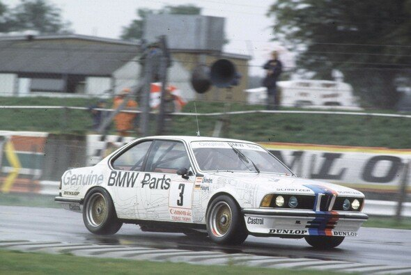 Der BMW 635 CSi Gruppe A 1983 in Silverstone - Foto: LAT Images