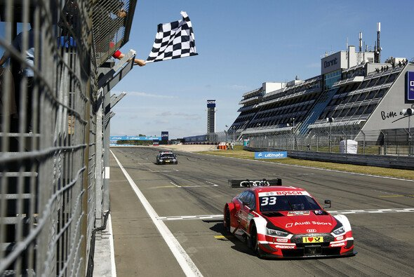 Rene Rast schreibt DTM-Geschichte am Nürburgring - Foto: DTM