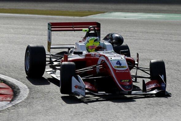 Mick Schumacher gewinnt auch das dritte F3-Rennen am Nürburgring - Foto: FIAF3
