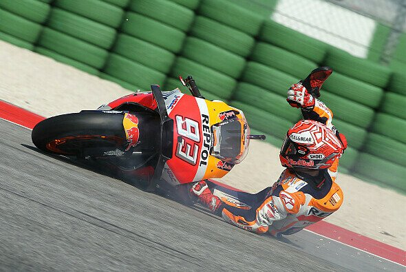 Marc Marquez flog im Qualifying mit hoher Geschwindigkeit ab - Foto: LAT Images