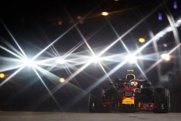 Die Hitzeschlacht in der Nacht von Singapur steht kurz bevor - Foto: Red Bull
