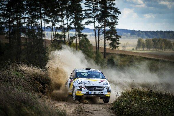 Das ADAC Opel Rallye Junior Team hat gute Chancen auf den Gewinn der Teamwertung - Foto: ADAC Opel Rallye Cup