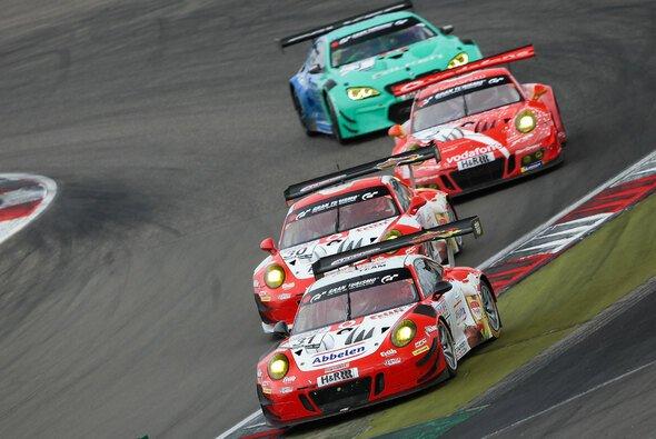 Der Frikadelli-Porsche fährt beim 7. VLN-Rennen 2018 aufs Podest - Foto: Jan Brucke/VLN