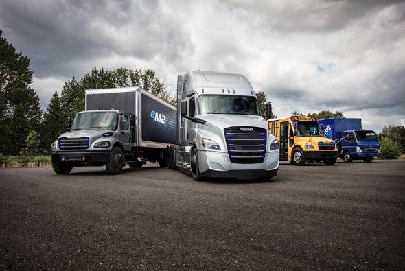 Für jeden Truck bietet die FVO die optimale Versicherung - Foto: Daimler