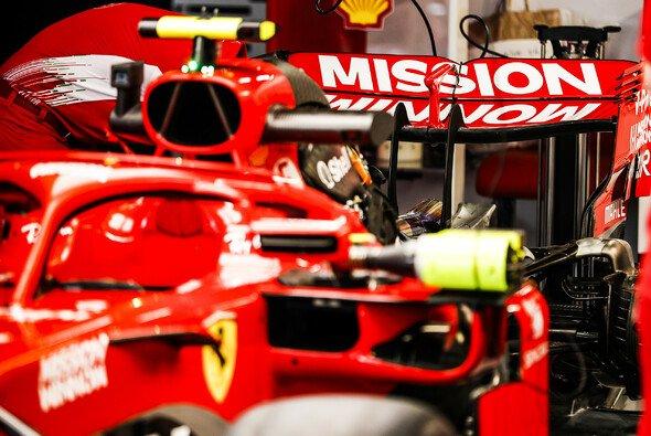 Ferrari fährt nun indirekt wieder mit Zigarettenwerbung - Foto: LAT Images