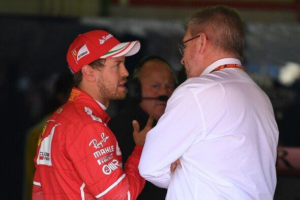 Ross Brawn möchte nach der Debatte um die Vettel-Strafe in Kanada mehr Transparenz für den Entscheidungsprozess - Foto: LAT Images