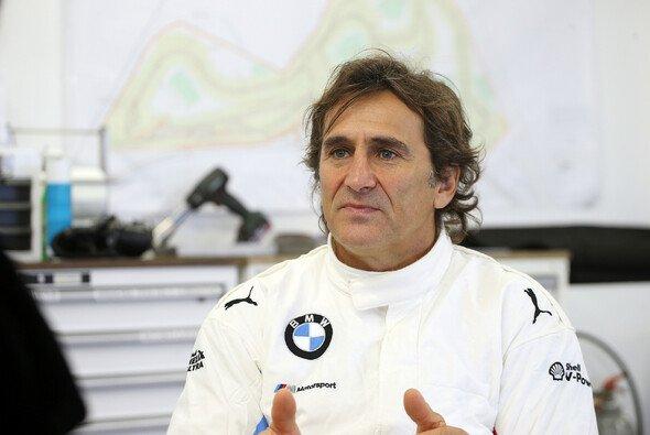 Fünf Monate nach seinem Handbike-Unfall wurde Alex Zanardi in das Krankenhaus von Padua verlegt. - Foto: BMW Motorsport