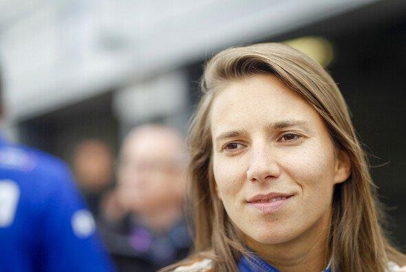 Simona de Silvestro kehrt als Simulator-Fahrerin in die Formel E zurück - Foto: LAT Images