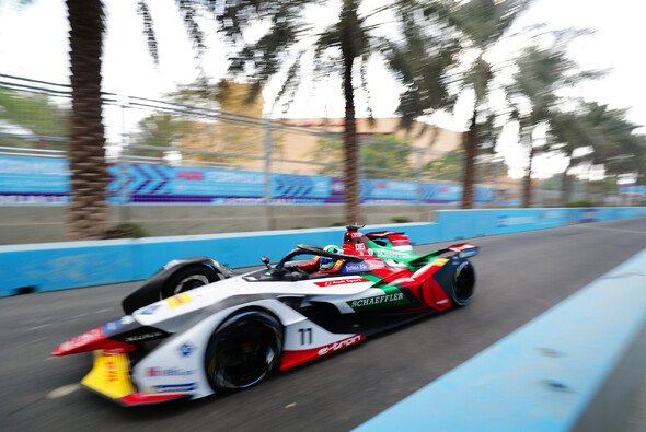 Die Formel E startet in Saudi-Arabien in die Saison 2018/19 - Foto: LAT Images