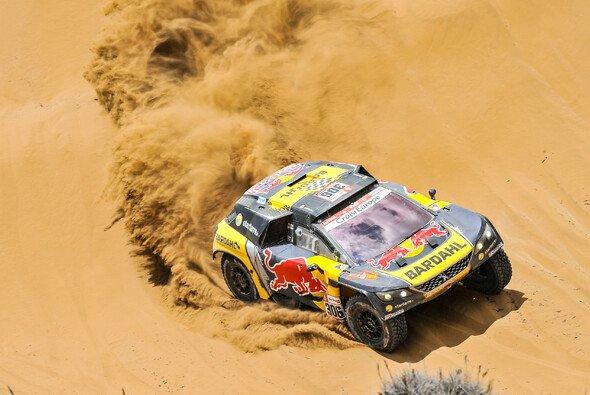 Sebastien Loeb gewinnt die sechste Etappe im Peugeot - Foto: Red Bull