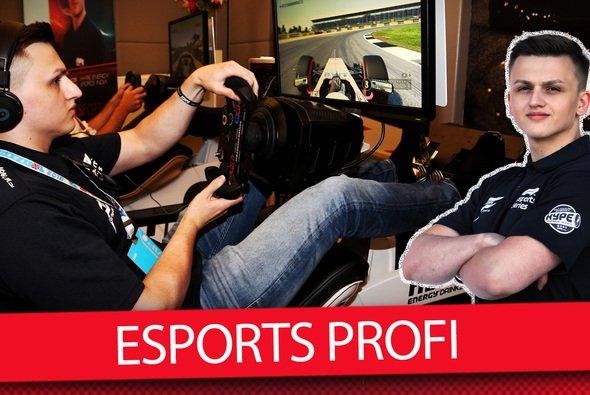 Marcel Kiefer fährt berufstätig in der Formel 1 eSport Serie - Foto: Motorsport-Magazin.com