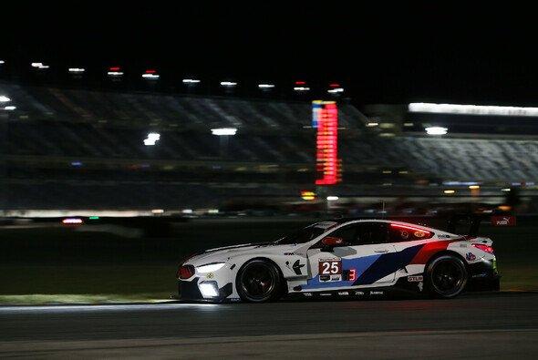 Der BMW von Tom Blomqvist beim Vortest zu den 24h von Daytona - Foto: BMW