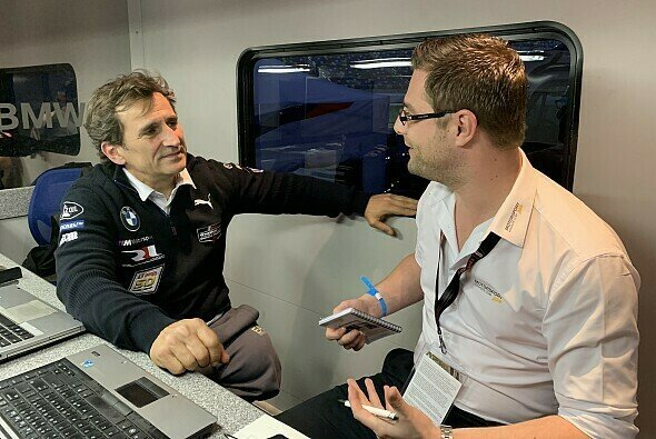 Alex Zanardi beim Interview mit MSM-Redakteur Robert in Daytona - Foto: Motorsport-Magazin.com