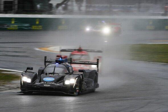 Fernando Alonso gewinnt sein zweites 24-Sunden-Rennen nach Le Mans 2018 - Foto: LAT Images