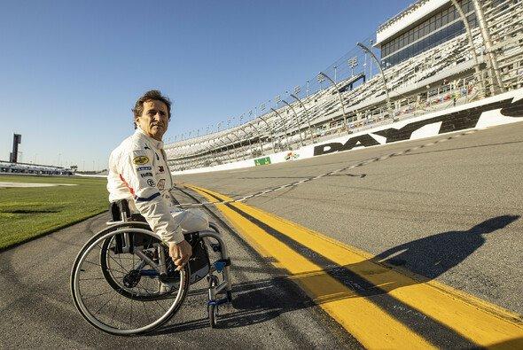 Alex Zanardi: Rollende Legende bei den 24 Stunden von Daytona - Foto: BMW AG