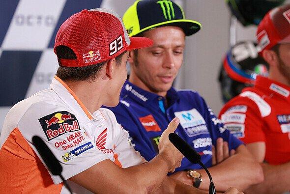 Rossi verweigerte Marquez in Misano den Handschlag - Foto: LAT Images