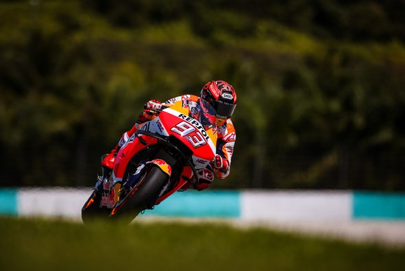 Marc Marquez lag an Tag eins in Sepang vorn - Foto: gp-photo.de/Ronny Lekl
