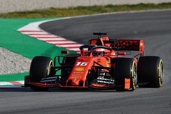 Charles Leclerc fuhr im Ferrari am zweiten Tag der Formel-1-Testfahrten 2019 in Barcelona die Bestzeit - Foto: LAT Images
