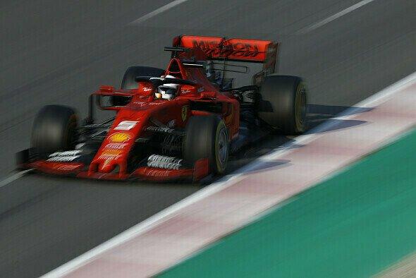 Für Sebastian Vettel läuft bei den Formel-1-Testfahrten in Barcelona weiterhin alles nach Plan - oder sogar besser - Foto: LAT Images