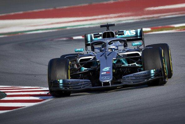 Mercedes spult bei den F1-Tests zwar ihr Programm ab, doch Ferrari bereitet Sorgen - Foto: LAT Images