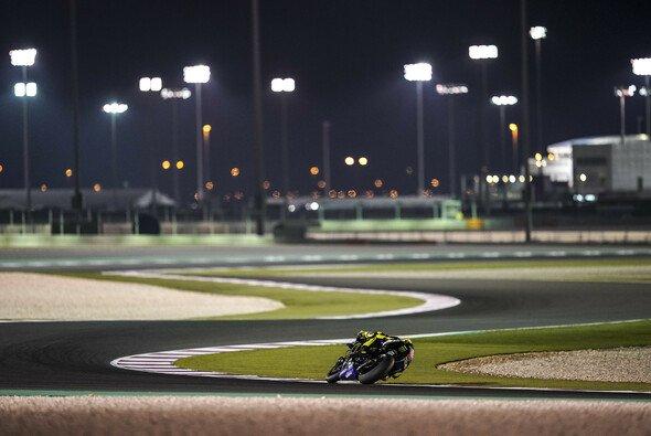 Die Flutlichter von Katar waren 2019 wieder für ein spannendes Rennen gut - Foto: Yamaha