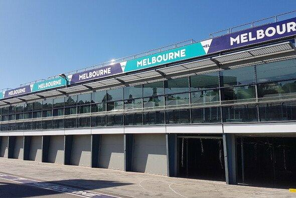 In Melbourne bereitet man sich schon auf den Saisonauftakt am 17. März vor. - Foto: Motorsport-Magazin.com