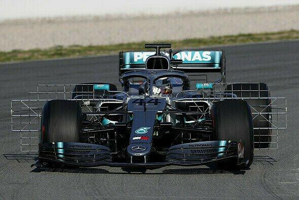 Mercedes eröffnet Testwoche 2 der Formel 1 gleich mal mit neuer Nase - Foto: LAT Images