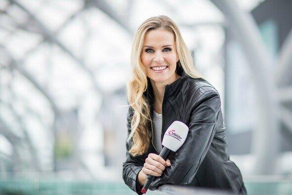 Eve Scheer ist die neue MotoGP-Moderatorin bei ServusTV - Foto: ServusTV