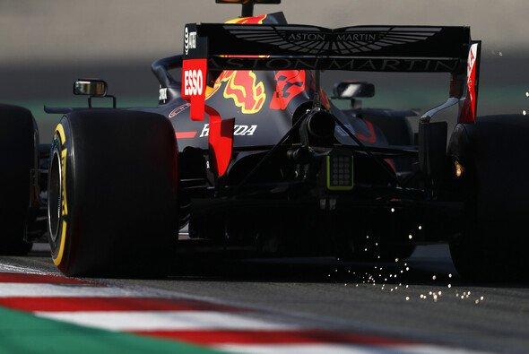 Max Verstappen litt am letzten Testtag unter den Folgen des Gasly-Crashs am Donnerstag - Foto: LAT Images