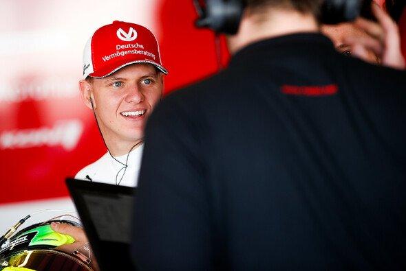 Mick Schumachers Debütjahr im Dunstkreis der Formel 1 wird von RTL begleitet - Foto: FIA Formula 2