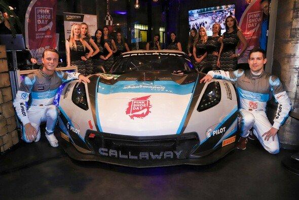 Marvin Kirchhöfer und Markus Pommer teilen sich die Callaway-Corvette - Foto: C. O. Mediavision