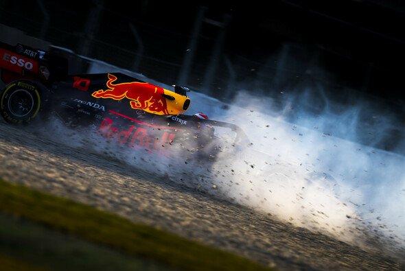 Pierre Gasly flog an vier Tagen zweimal ab - und erwies Red Bull damit einen Bärendienst - Foto: LAT Images