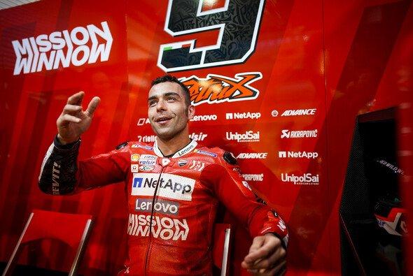 Danilo Petrucci wird auch 2020 in Ducati-Rot starten - Foto: Ducati