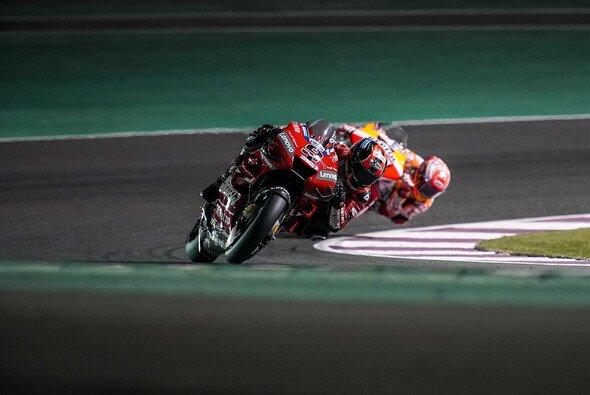 Marquez heftete sich im Qualifying ans Hinterrad von Petrucci - Foto: Ducati