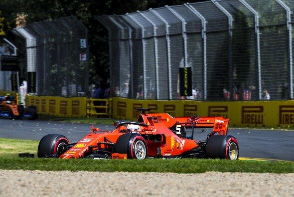 Ferrari fand sich in den Trainings von Melbourne weit hinter Mercedes zurück - Foto: LAT Images