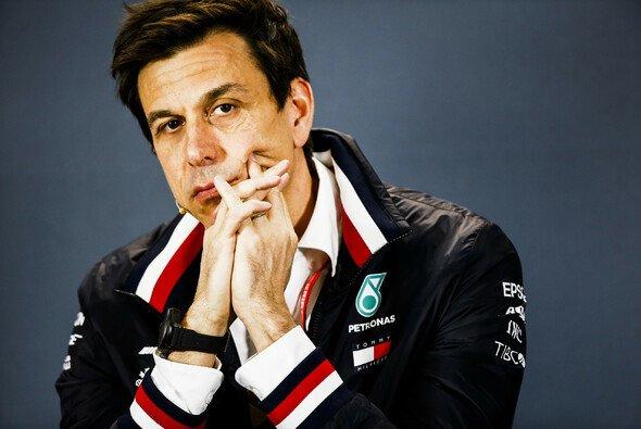 Toto Wolff fühlt sich bei Mercedes in der Formel 1 nach wie vor wohl - Foto: LAT Images
