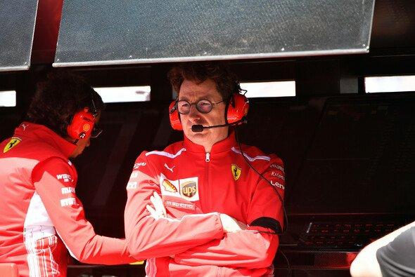 Mattia Binotto muss 2020 bei Ferrari einiges einstecken - Foto: LAT Images