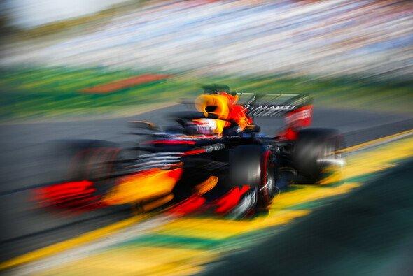 Red Bull startet mit Honda wieder durch - Foto: LAT Images