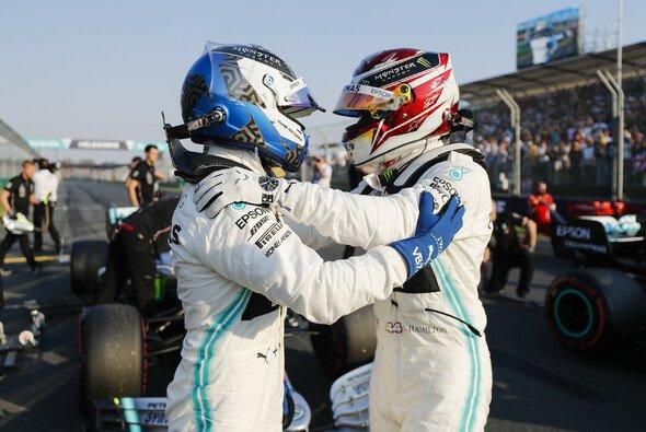Valtteri Bottas verlor im Qualifying in Australien kurz vor Schluss die Pole an Lewis Hamilton - Foto: LAT Images