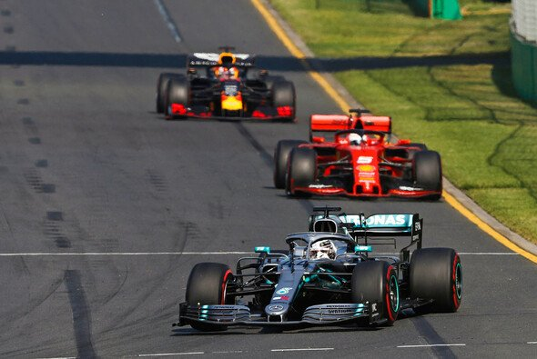 Hielt Hamilton Vettel in Australien absichtlich auf? - Foto: LAT
