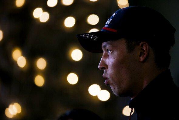 Daniil Kvyat kritisiert Kimi Räikkönen nacht dem Unfall in Singapur - Foto: LAT Images