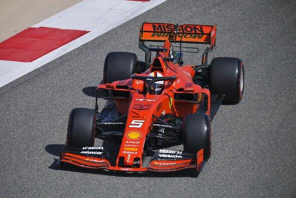 Sebastian Vettel musste sich im 1. Freien Training zum Bahrain GP 2019 nur hinter Teamkollege Charles Leclerc anstellen - Foto: LAT Images