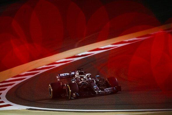Mercedes hat nach den Formel-1-Trainings in Bahrain keine Angst vor der roten Ferrari-Gefahr - Foto: LAT Images