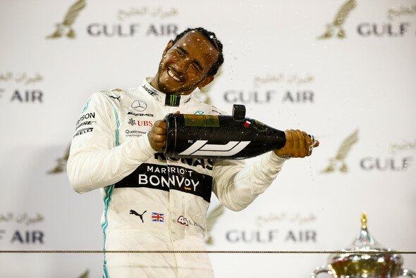 Mercedes-Teamchef lobte Lewis Hamilton in Bahrain für sein rennentscheidendes Manöver gegen Sebastian Vettel - Foto: LAT Images