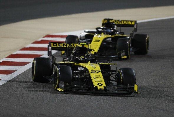 Renault muss in China bereits die zweiten Power Units einsetzen - Foto: LAT Images