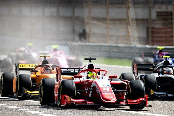 Mick Schumacher und Co. starten in Baku in die zweite Runde der Formel-2-Saison 2019 - Foto: LAT Images