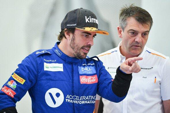 Fernando Alonso kritisiert den Instagram-Post von Formel-1-Weltmeister Lewis Hamilton - Foto: LAT Images