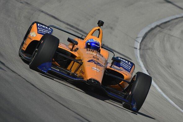 Fernando Alonso ist zurück im Oval - Foto: IndyCar
