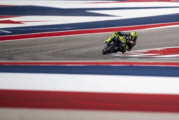 Valentino Rossi führte in Austin lange, am Ende reichte es nur zu Platz zwei - Foto: Monster Yamaha