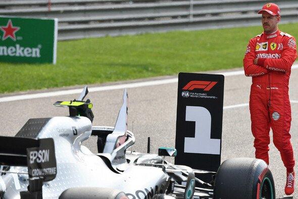 Mercedes-Teamchef Toto Wolff sieht in Sebastian Vettel zumindest eine Option für die Formel-1-Saison 2021 - Foto: LAT Images